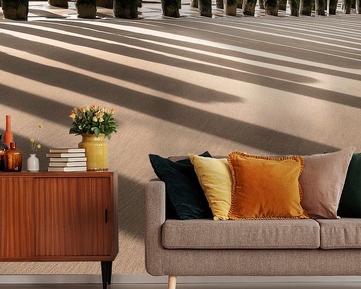 Sfeerimpressie behang: 1061 Beach Piano van Adrien Hendrickx
