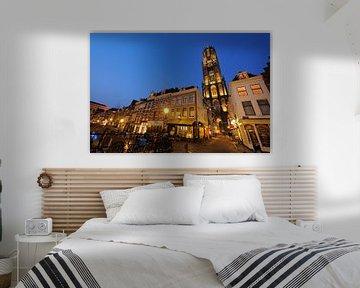 Vismarkt en Servetstraat met Domtoren in Utrecht van Donker Utrecht
