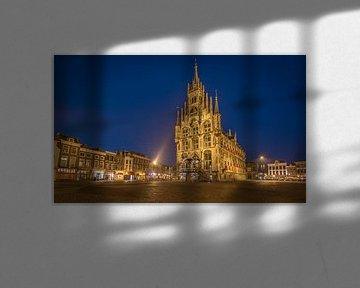 Het stadhuis van Gouda in de avond. von Claudio Duarte
