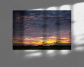 Zonsondergang boven Gronings landschap van Evert Jan Luchies