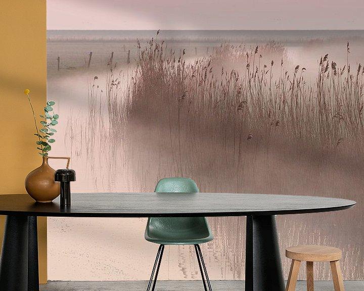 Sfeerimpressie behang: Ochtendmist in de polder van Art Wittingen