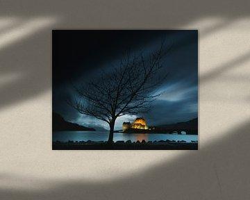 Eilean Donan Castle in het blauwe uur van Henno Drop