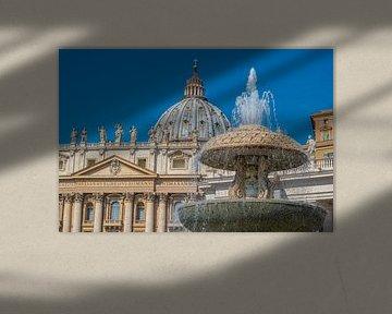 Berninibrunnen und Petersdom im Vatikan von Castro Sanderson