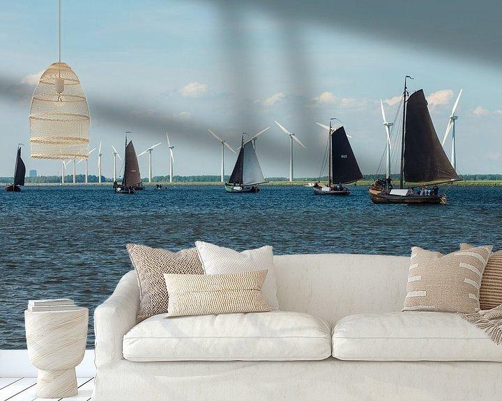 Sfeerimpressie behang: Botters op het Eemmeer. van Brian Morgan