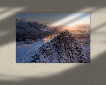 Au sommet de la montagne au lever du soleil sur Jelle Dobma
