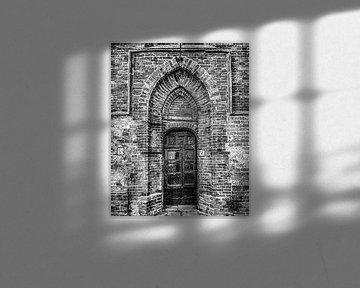 Deur in de historische kerk van Middelstum in de provincie Groningen von Harrie Muis