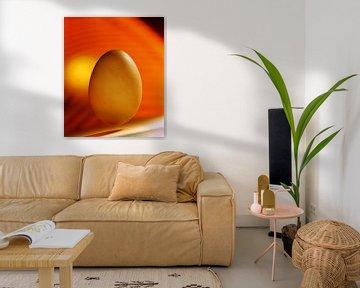 Ei in einer orangefarbenen Umgebung von Marcus Wubbe