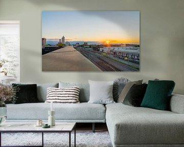 Skyline van Tilburg en mooie Zonsondergang gezien vanaf Doloris Rooftop.