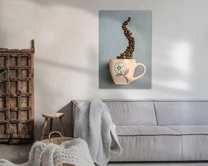 Impression: Een koffiekop met koffiebonen sur Dennis  Georgiev