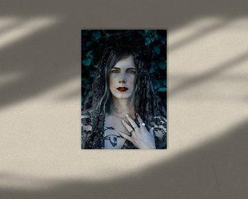 Hexenfrau mit Federkrone sur Laura Wienk