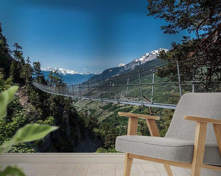 Sfeerimpressie behang: Hangbrug,  Bisse Torrent-Neuf Zwitserland van Ingrid Aanen