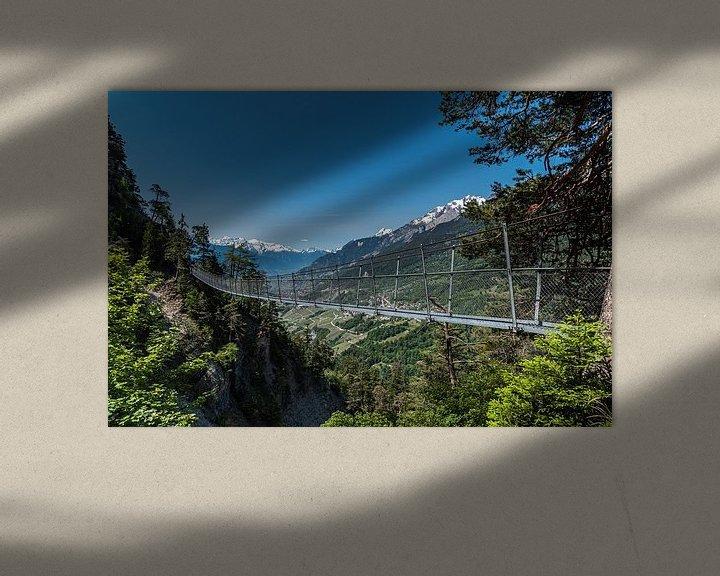 Sfeerimpressie: Hangbrug,  Bisse Torrent-Neuf Zwitserland van Ingrid Aanen