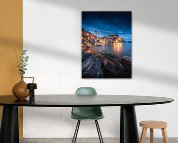 Vernazza at Night - Cinque Terre - Italië van Niels Dam