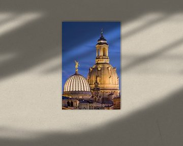 Kuppel der Frauenkirche in Dresden am Abend von Werner Dieterich