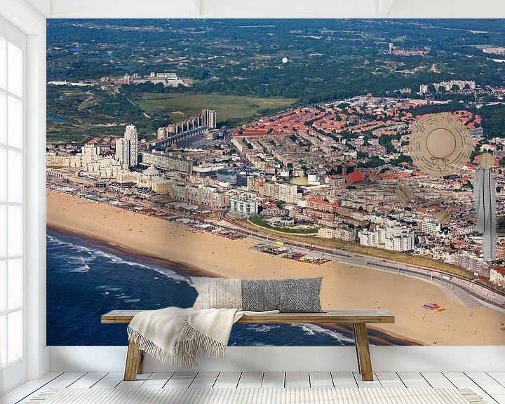 Sfeerimpressie behang: Luchtfoto Scheveningen met strand van Anton de Zeeuw