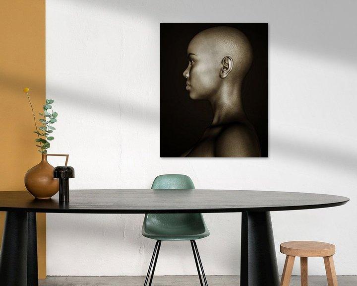 Sfeerimpressie: Vrouw Portret - Zwart-wit Profiel van een Afrikaans Meisje van Jan Keteleer