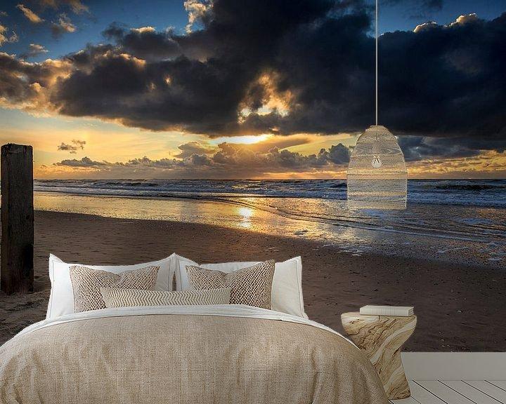 Sfeerimpressie behang: Castricum aan zee Zonsondergang / Sunset van Dick Jeukens