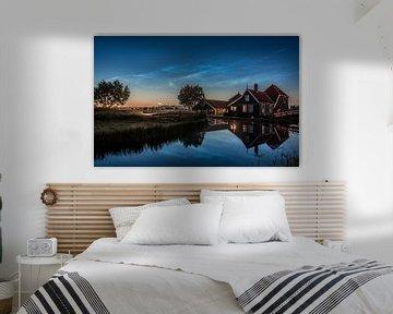 Lichtende Nachtwolk met kaasboerij Zaanse Schans sur Patrick Hartog