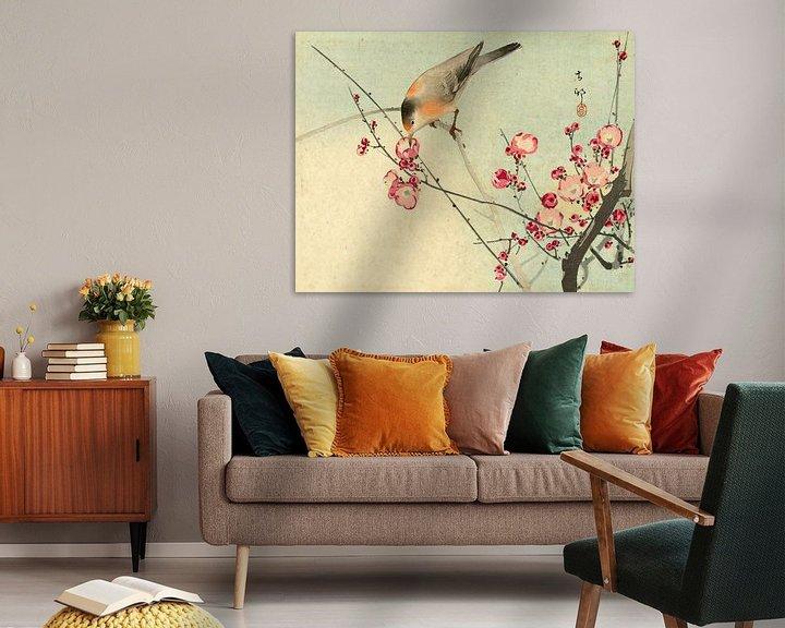 Sfeerimpressie: Zangvogel op bloesemtak, Ohara Koson