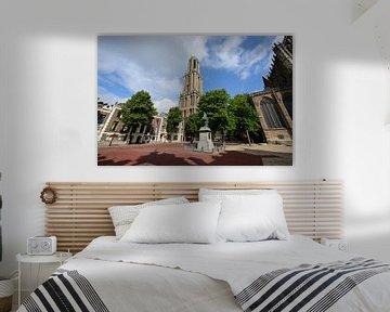 Domtoren en Domkerk in Utrecht gezien vanaf Domplein von In Utrecht
