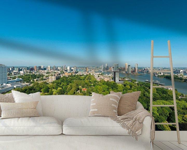 Sfeerimpressie behang: Skyline Rotterdam en Erasmusbrug. van Brian Morgan