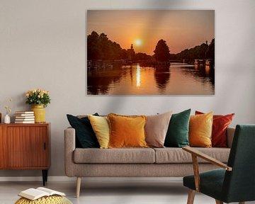 Magische zonsondergang in Utrecht van John Ozguc