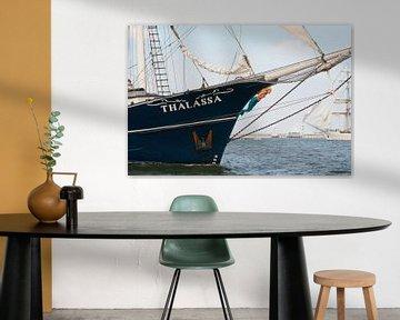 Thalassa Tall Ship voor Scheveningen van Miranda Zwijgers