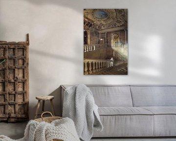 bemaltes verlassenes Treppenhaus von Kristof Ven