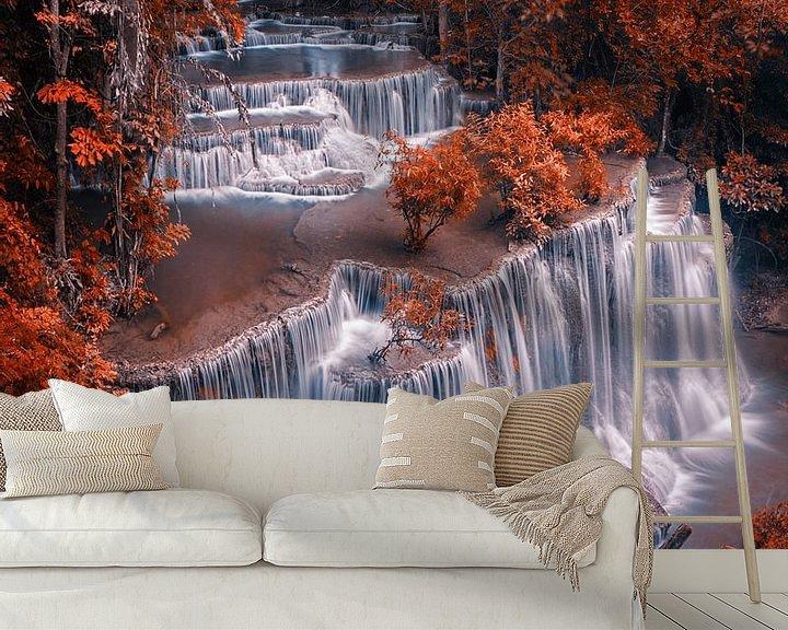 Sfeerimpressie behang: Autumn waterfal van Niels Tichelaar
