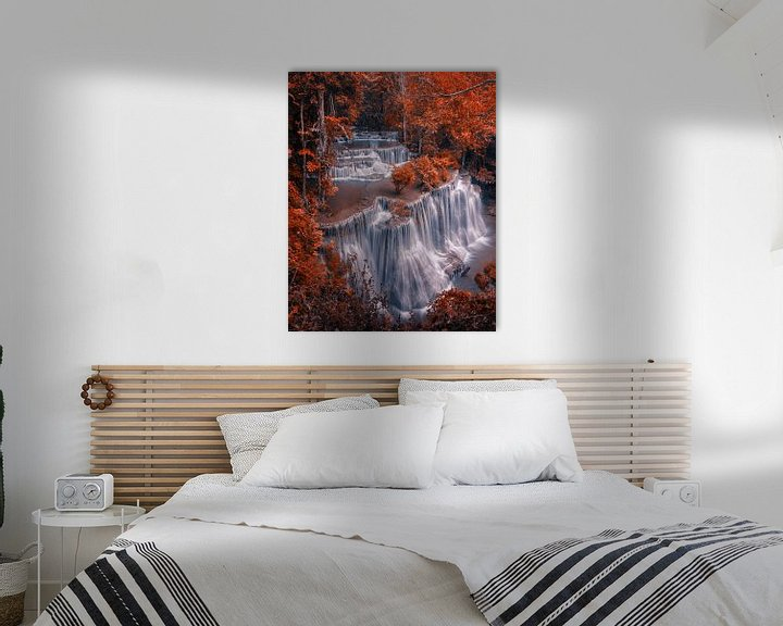 Sfeerimpressie: Autumn waterfal van Niels Tichelaar