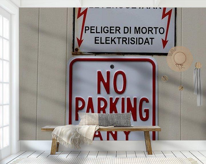 Sfeerimpressie behang: no parking hoogspanning van Frans Versteden
