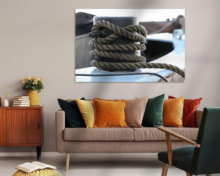 Sfeerimpressie: touw om een bolder op een schip van Frans Versteden