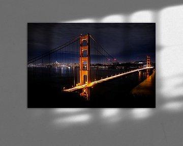 Golden Gate Bridge by night, United States van Colin Bax