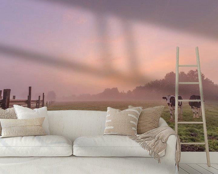Impression: photo d'un lever de soleil coloré et brumeux dans un champ flamand, un pré avec des vaches, Menin, F sur Fotografie Krist / Top Foto Vlaanderen