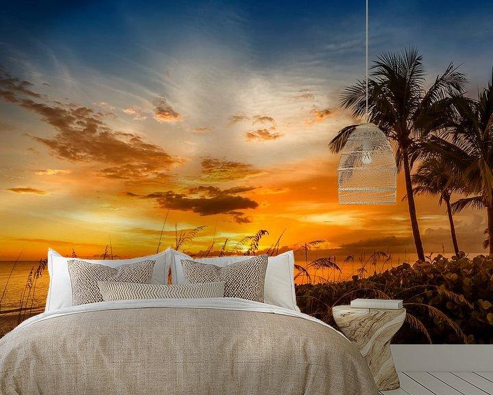 Sfeerimpressie behang: BONITA BEACH Fantastische zonsondergang van Melanie Viola