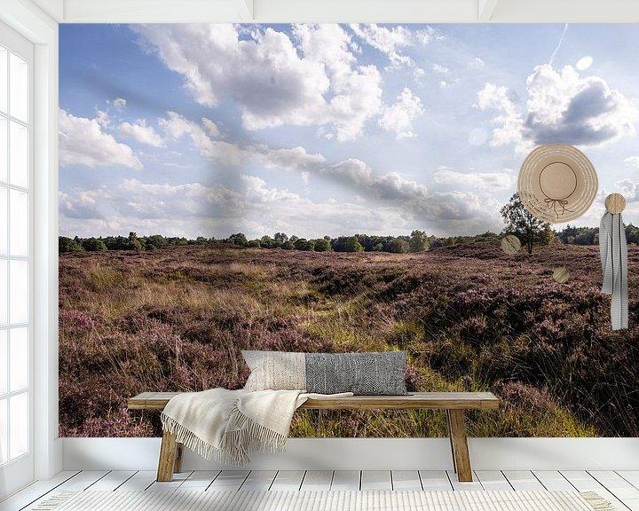 Sfeerimpressie behang: Heide op de Gasterse Duinen van Sander de Jong