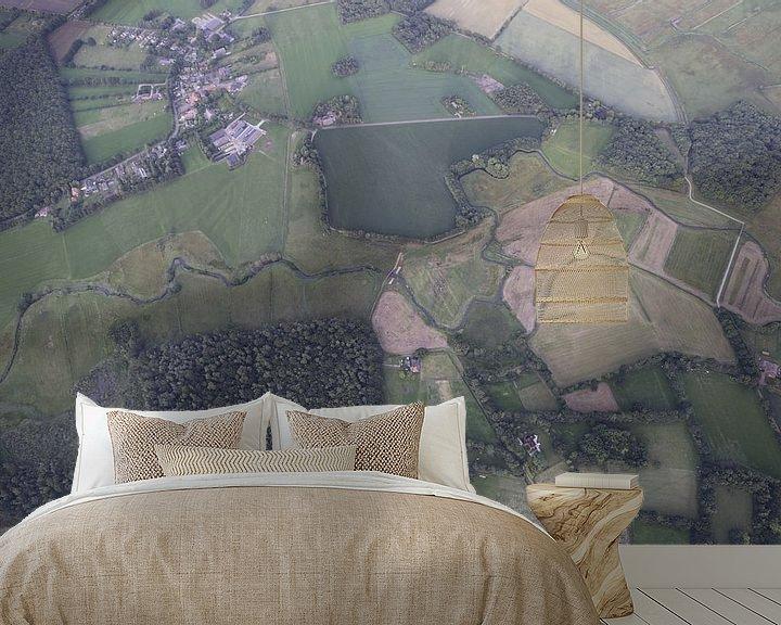 Sfeerimpressie behang: Beekje in het Drentse landschap van Sander de Jong