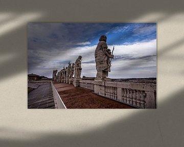 Bilder auf dem Dach der Peterskirche im Staat Vatikanstadt