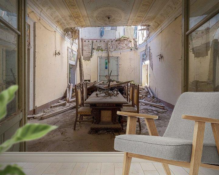 Beispiel fototapete: eingestürztes verlassenes Esszimmer von Kristof Ven