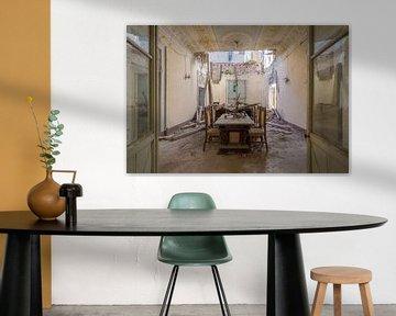 eingestürztes verlassenes Esszimmer von Kristof Ven