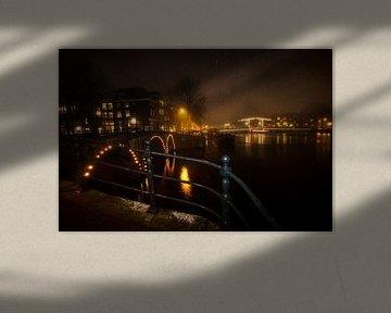 Amsterdamse grachten bij nacht van Jeroen Stel