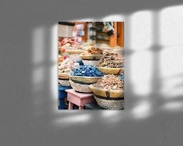 Kruiden in de souks van Marrakech van Raisa Zwart