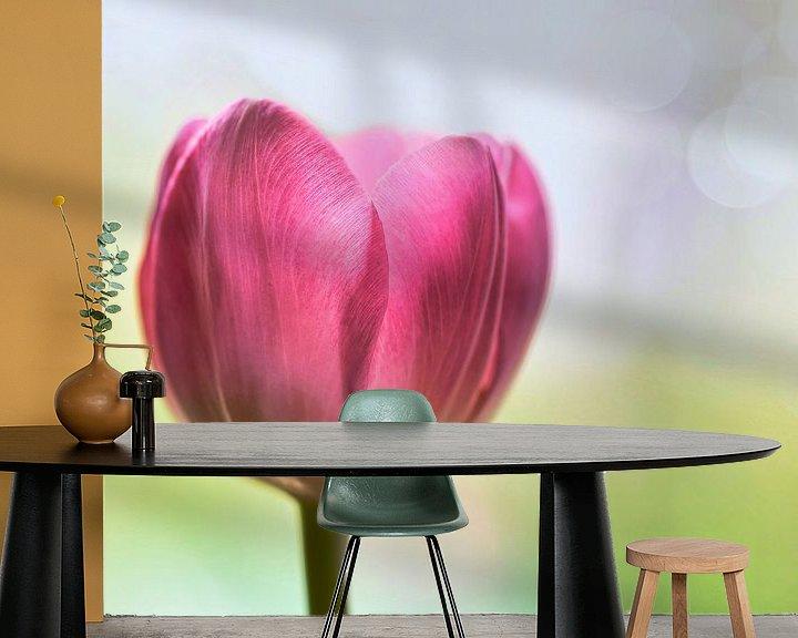 Sfeerimpressie behang: Tulp van Jeannette Penris
