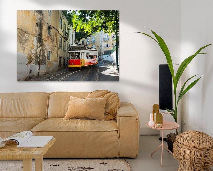 Sfeerimpressie: art impression foto van tram 28 in lissabon van ChrisWillemsen