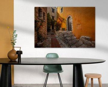 Inkijkje in Èze Village. van Christiaan Sauer