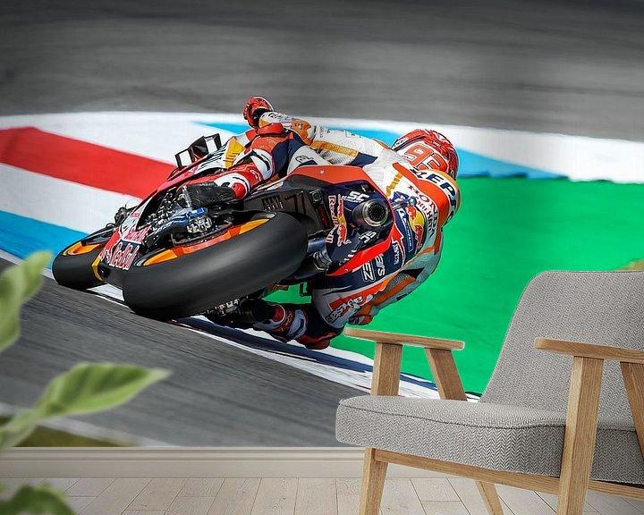 Sfeerimpressie behang: Marc Marquez #93 Honda Repsol Team van Theo Groote