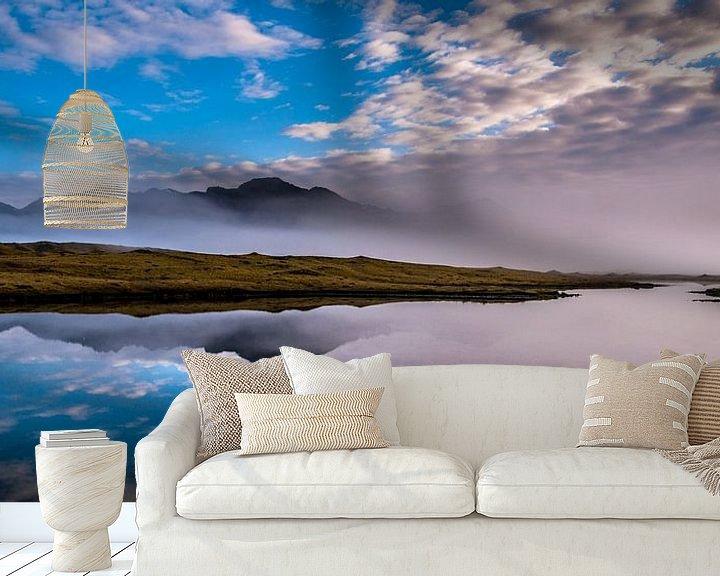 Sfeerimpressie behang: IJsland landschap in de mist, Hali van Rien de Jongh
