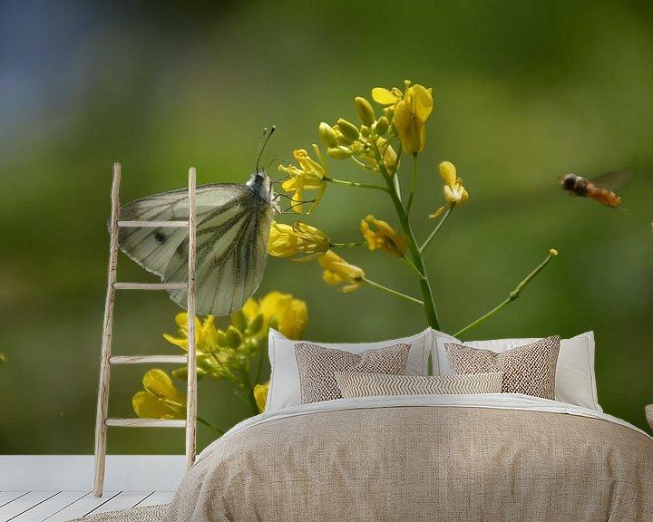 Sfeerimpressie behang: vlinder Arboretum Assen van Henriette Tischler van Sleen
