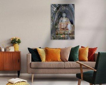 Boeddha in rotsen van Inge Hogenbijl