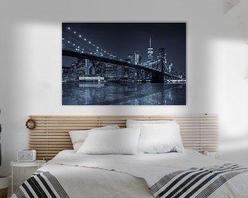 Brooklyn Bridge reflection  met Skyline van Manhattan